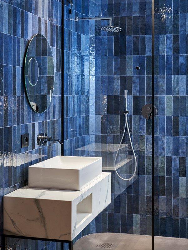 arredoluce-progettazione-illuminotecnica-realizzazioni-hotel-sirmione-gallery-vertical-3