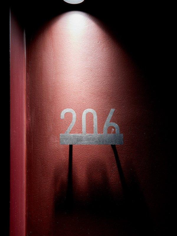 arredoluce-progettazione-illuminotecnica-realizzazioni-hotel-sirmione-gallery-vertical-7